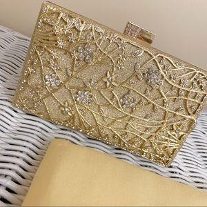 Beautiful Gold Clutch (Can be crossbody)